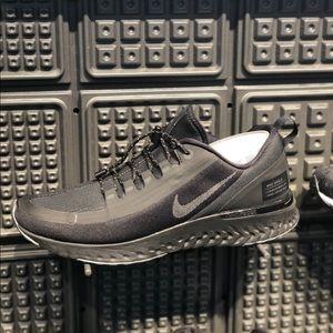 Nike Odyssey React Shield